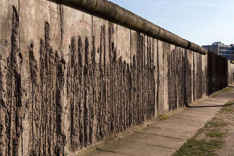 Sightseeing in Germany - Berlin Wall
