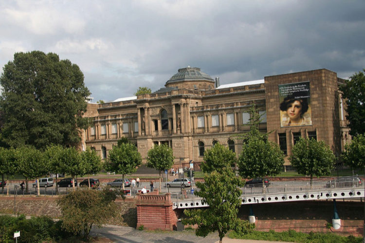 Stadel Art Institute (Stadelsches Kunstinstitut) in Frankfurt am Main - sights in Frankfurt, Germany