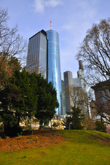 Main Tower ( Main Tower) in Frankfurt am Main - sights of Frankfurt, Germany