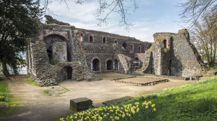 Imperial Palace in Kaiserswerth - Sightseeing in Dusseldorf