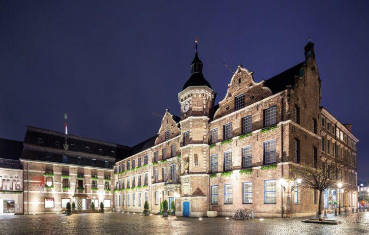 Dusseldorf Town Hall - Dusseldorf attractions