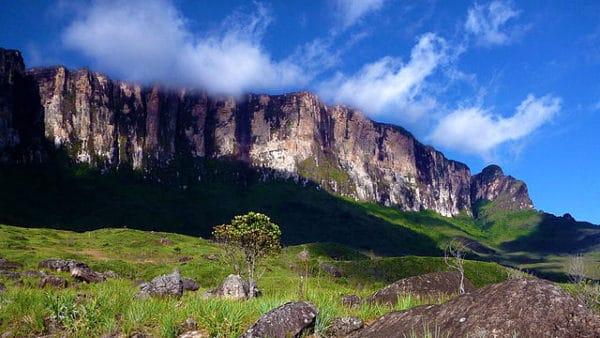 Достопримечательности Венесуэлы - Гора Рорайма в национальном парке Канайма