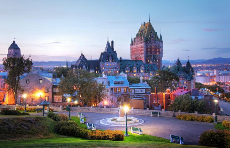 Достопримечательности Канады - Замок Фронтенак
