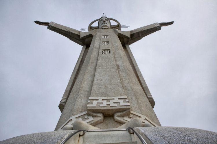 Достопримечательности Вьетнама - Христос-великан