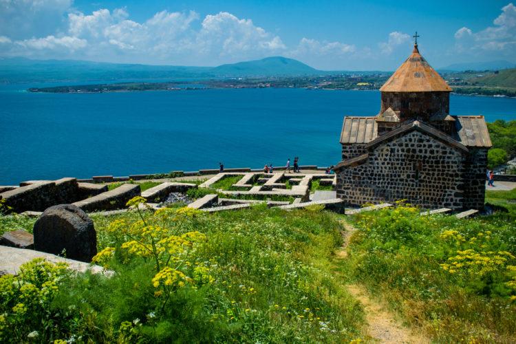 Достопримечательности Армении - Озеро Севан