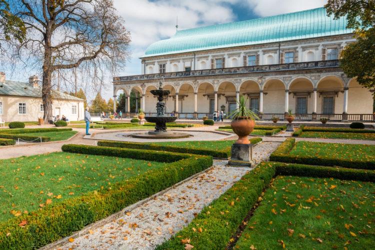 Достопримечательности Чехии - Королевский дворец Бельведер