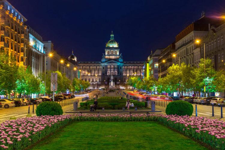 Достопримечательности Чехии - Вацлавская площадь