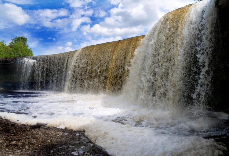 Достопримечательности Эстонии - Водопад Ягала
