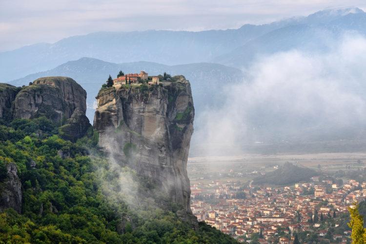 Достопримечательности Греции - Монастыри Метеоры