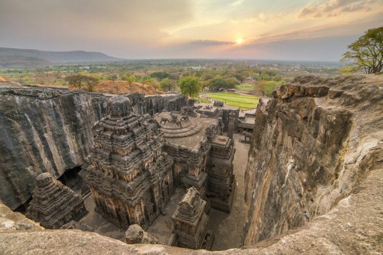 Что посмотреть в Индии - Пещеры Эллоры: храмы в скалах