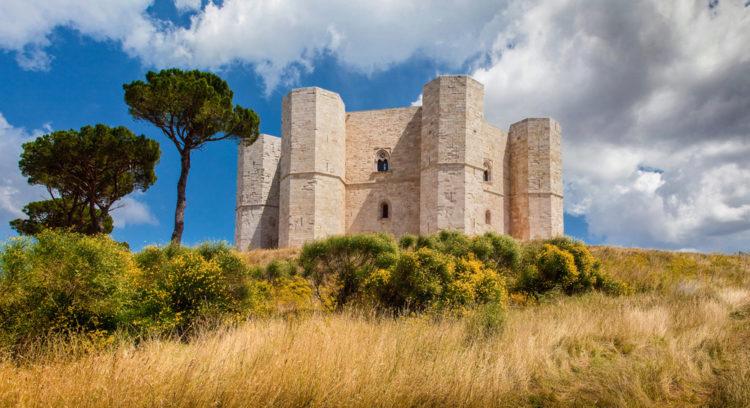 Достопримечательности Италии - Замок Костель-дель-Монте