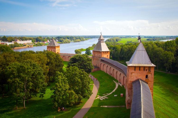 Достопримечательности России - Новгородский кремль
