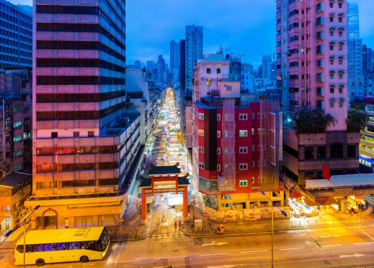 Что посмотреть в Гонконге - Ночной рынок Темпл Стрит Маркет