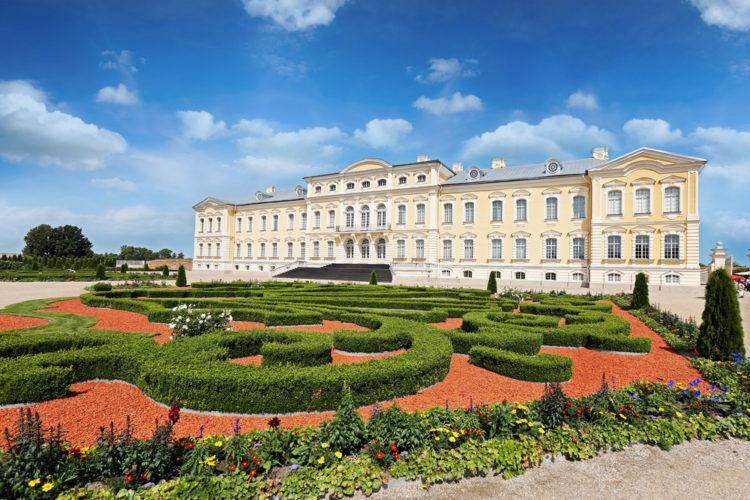 Рундальский дворец - музей - достопримечательности Латвии