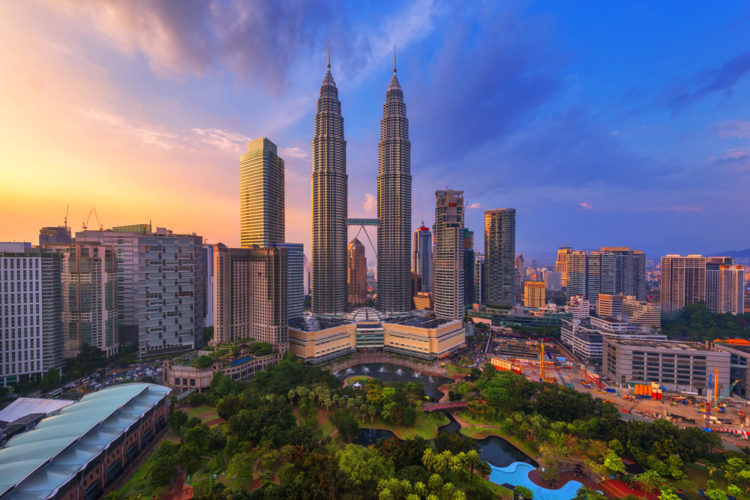 Башни Петронас - достопримечательности Малайзии