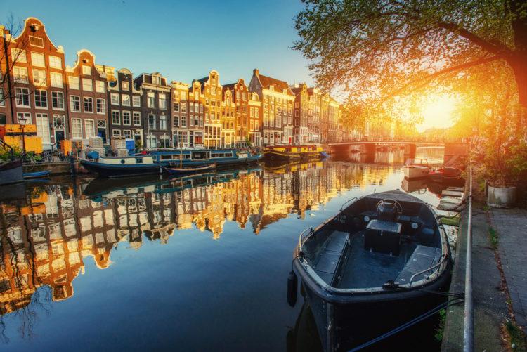 Каналы Амстердама - достопримечательности Нидерландов