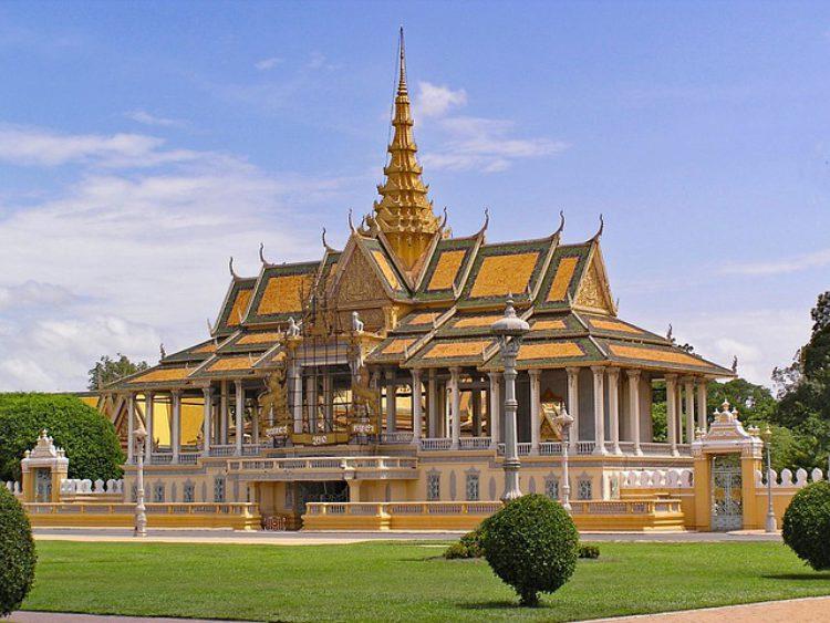 Серебряная пагода в Пномпене - достопримечательности Пномпеня, Камбоджа