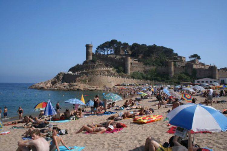 что посмотреть в Андалусии - Песчаный пляж в Торре-дель-Мар
