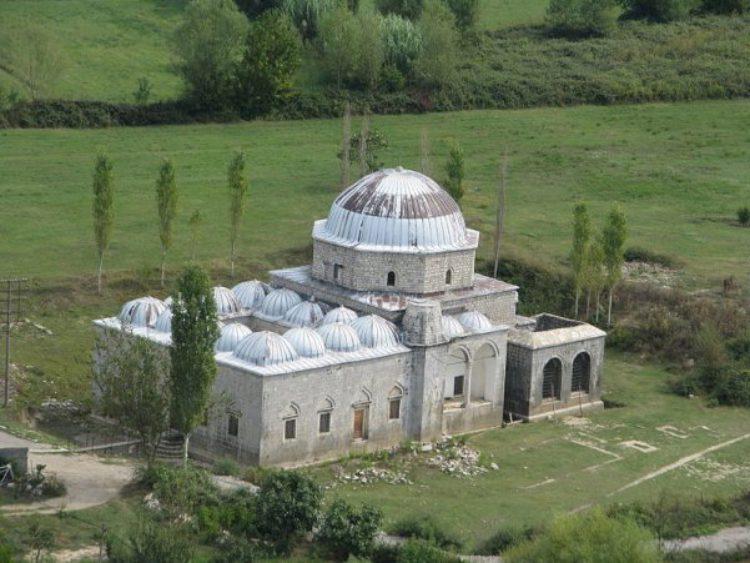 Свинцовая мечеть в городе Шкодере в Албании