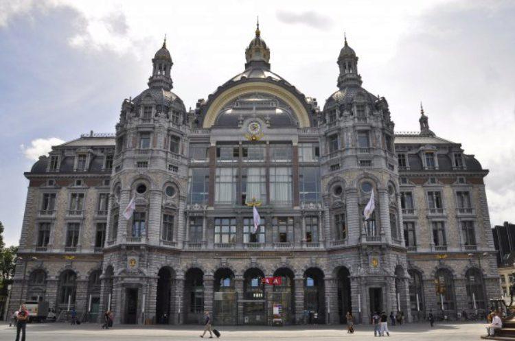 Станция Антверпен-Сентрал: Центральный железнодорожный вокзал Антверпена Бельгия