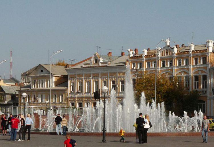Астраханский фонтан - достопримечательность Астрахани, России