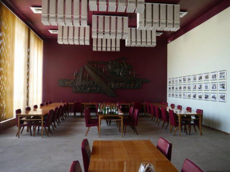 Дегустационный зал Инкерманского завода марочных вин в Балаклаве, в Крыму, в России