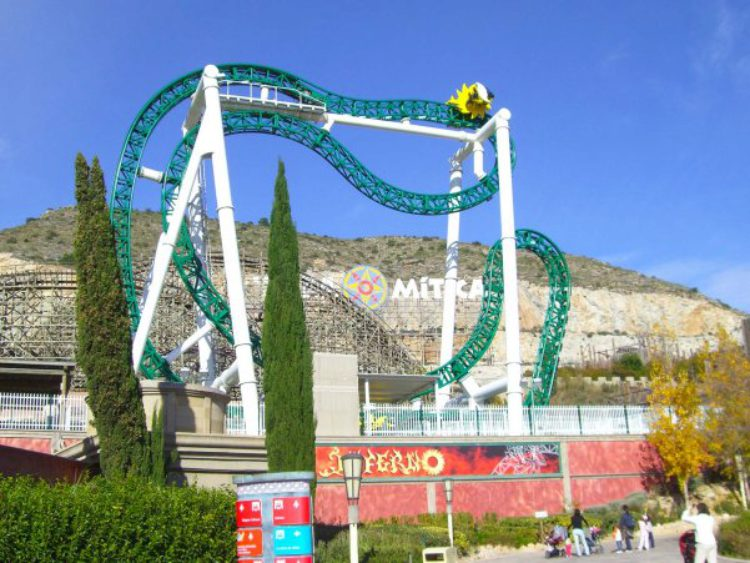 Парк развлечений Terra Mitica в Аликанте в Испании