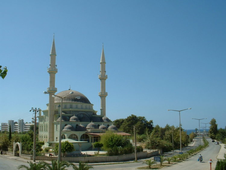 Мусульманская мечеть в Авсалларе в Турции