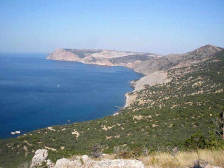 Мыс Айя. Вход в Балаклавскую бухту в Крыму в России