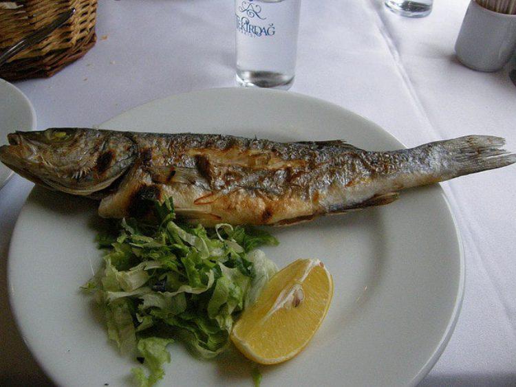 Ужин в ресторане в Авсалларе, Турция