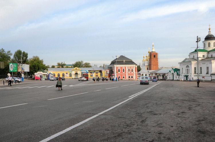 Соборная площадь в Арзамасе, Нижегородская область, Россия