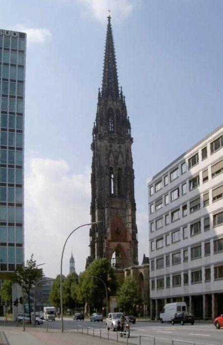 Церковь Святого Николая в Гамбурге - достопримечательности Гамбурга, Германия