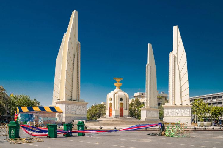 Монумент Демократии в Бангкоке - достопримечательности Бангкока