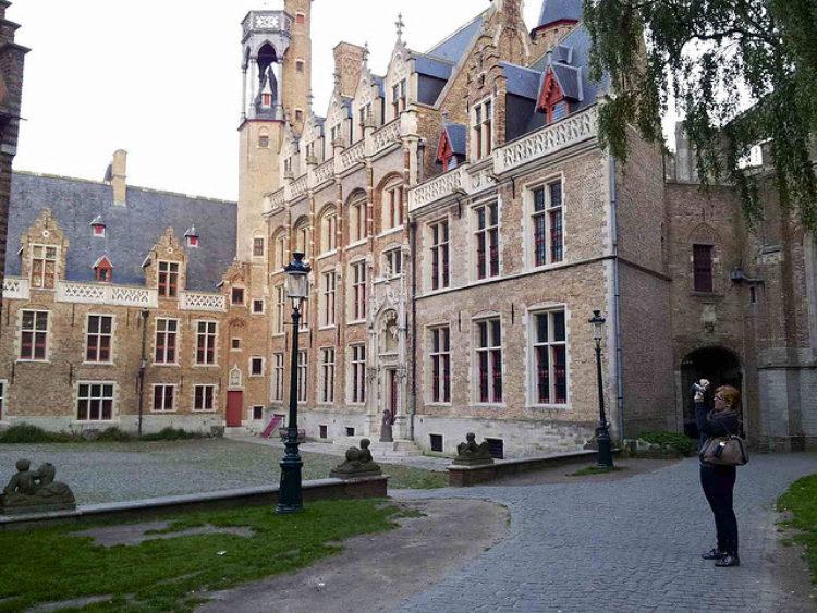 Музей Грунинге в Брюгге - достопримечательности Брюгге
