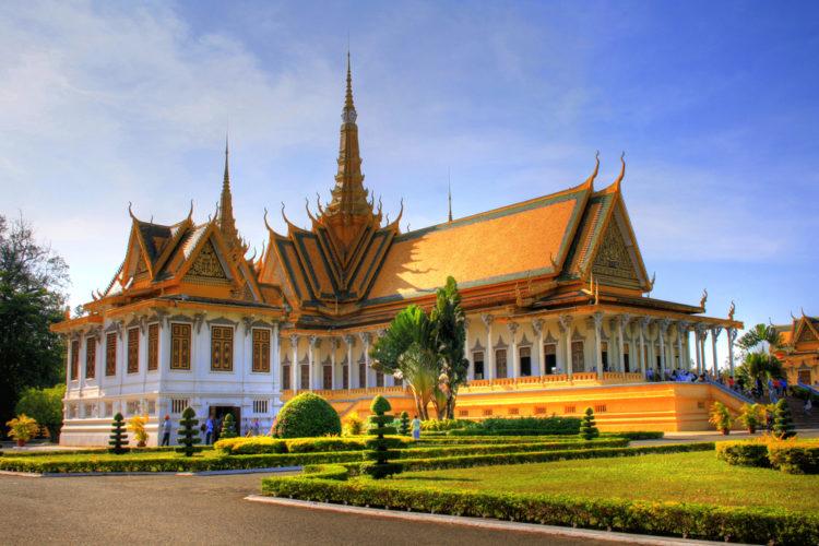 Королевский дворец в Пномпене - достопримечательности Пномпеня, Камбоджа