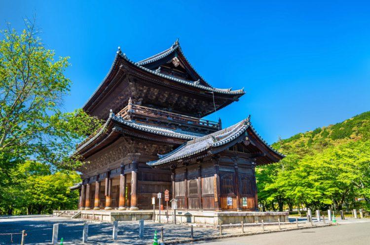 Санмонские ворота в храме Наньцен-дзи - достопримечательности Киото, Япония
