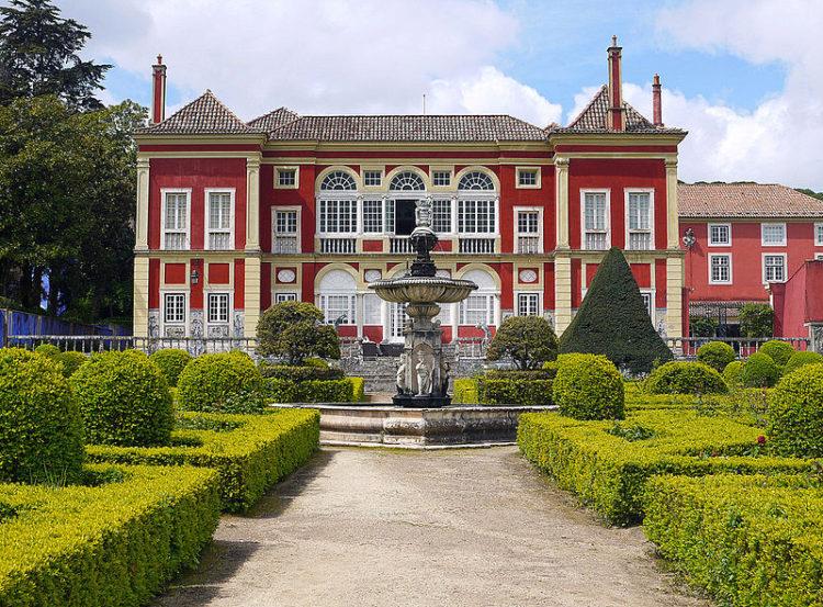 Дворец маркизов Фронтейра (Palácio dos Marqueses de Fronteira) - достопримечательности Лиссабона, Португалия