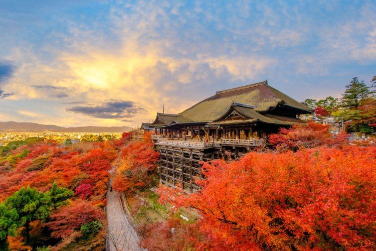 Храм Киёмидзу-дэра - достопримечательности Киото, Япония