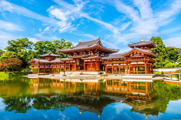 Павильон Феникса храма Бёдо-ин - достопримечательности Киото, Япония