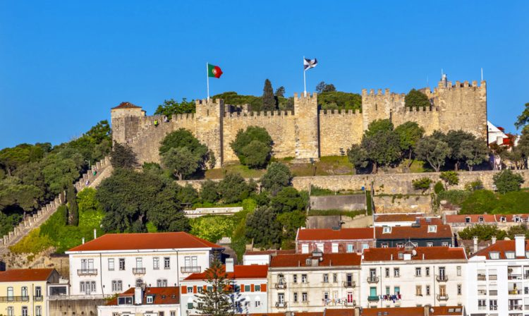 Замок Святого Георгия в Лиссабоне - достопримечательности Лиссабона, Португалия