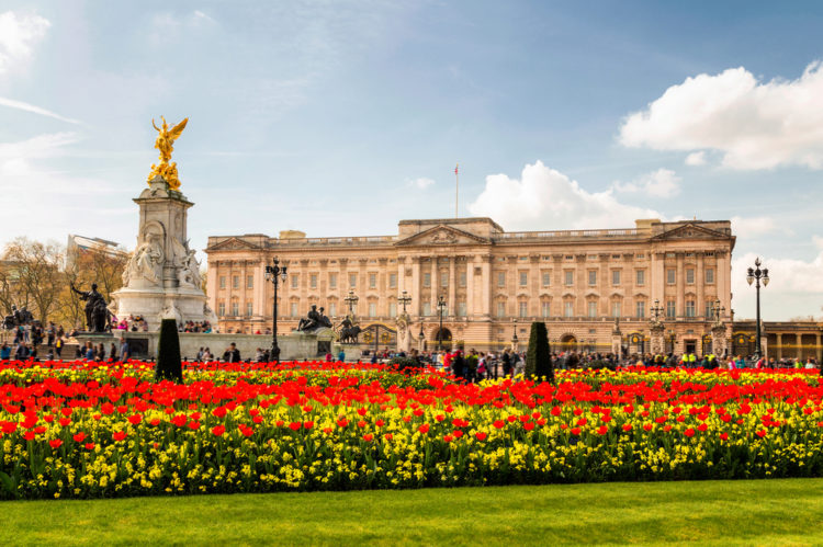 Букингемский дворец и мемориал Виктории - достопримечательности Лондона, Англия, Великобритания