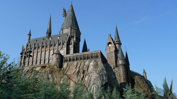 """Развлекательный парк """"Волшебный мир Гарри Поттера"""" - достопримечательности Лос-Анджелеса, Калифорния, США"""