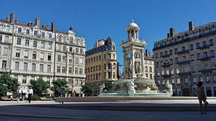 Площадь Якобинс (Place des Jacobins) в Лионе - достопримечательности Лиона, Франция