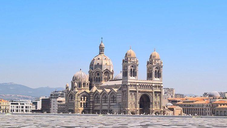 Кафедральный собор (Cathédrale Sainte-Marie-Majeure de Marseille) в Марселе - достопримечательности марселя, Франция