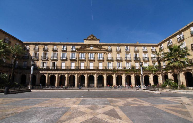 Пласа-Нуэва или Новая площадь - достопримечательности Бильбао