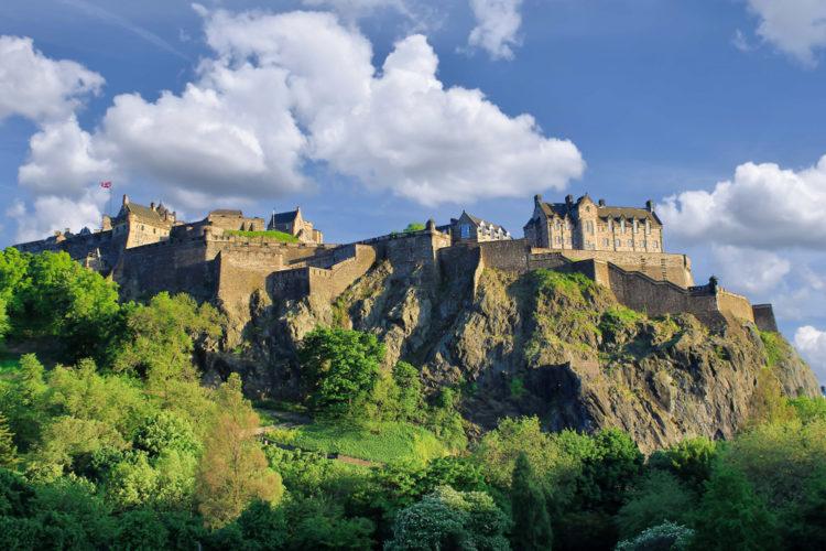 Эдинбургский замок - достопримечательности Шотландии