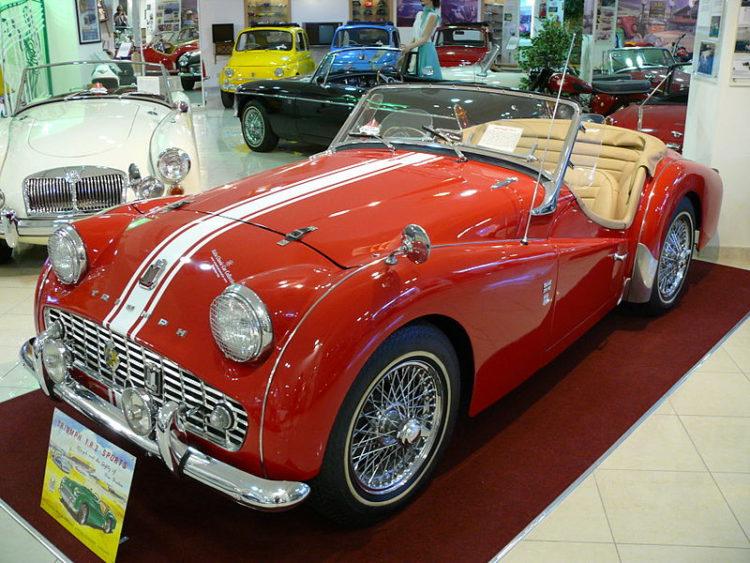 Музей классических автомобилей - достопримечательности Мальты