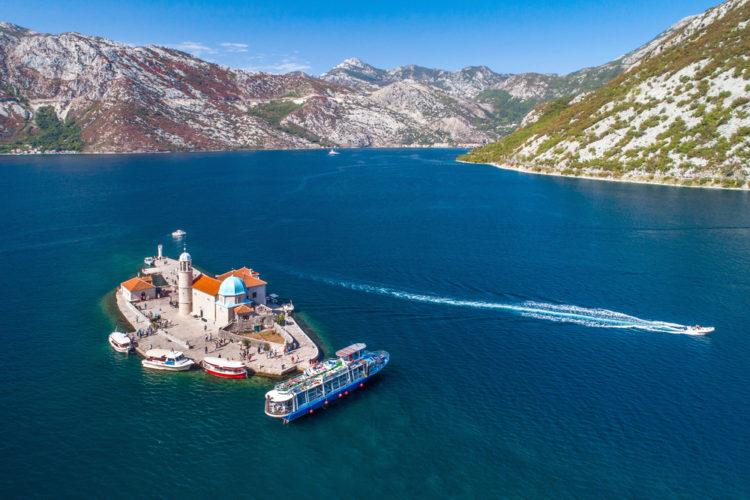 Остров Госпа од Шкрпела - достопримечательности Черногории