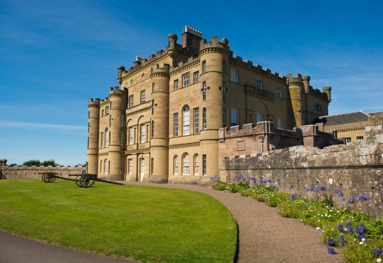 Замок Калзин - достопримечательности Шотландии