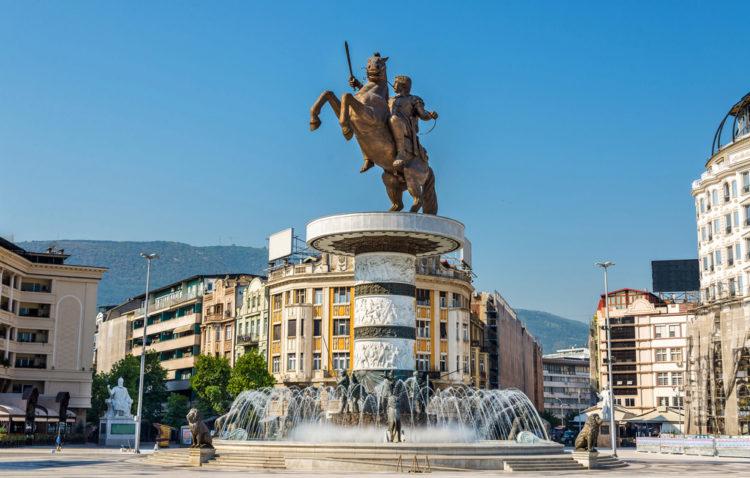 Памятник «Воин на коне» - достопримечательности Македонии